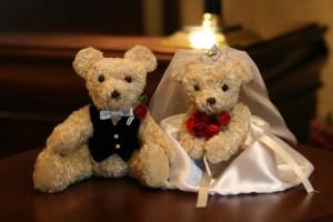 結婚式の二次会幹事は誰に頼む?