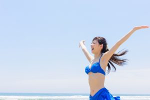飲む日焼け止めの効果は?成分と副作用、飲み方の注意点について