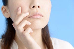 睡眠と美容の深~い関係!ニキビ・肌荒れの原因は睡眠不足?