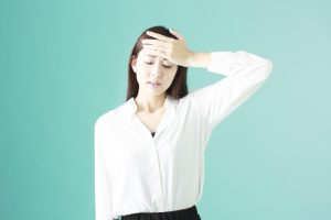 女性のホルモンバランスの乱れがデリケートゾーンの黒ずみの原因に