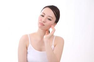 化粧水による肌荒れの原因と自分に合う化粧水の選び方